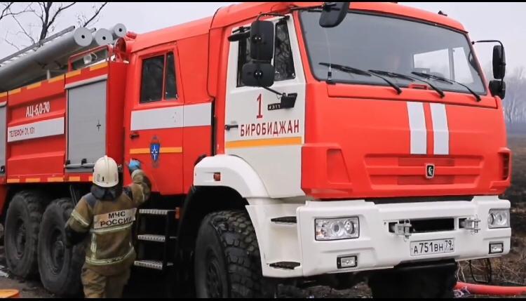 Пожарные расчёты дважды за сутки тушили постройки в областном центре