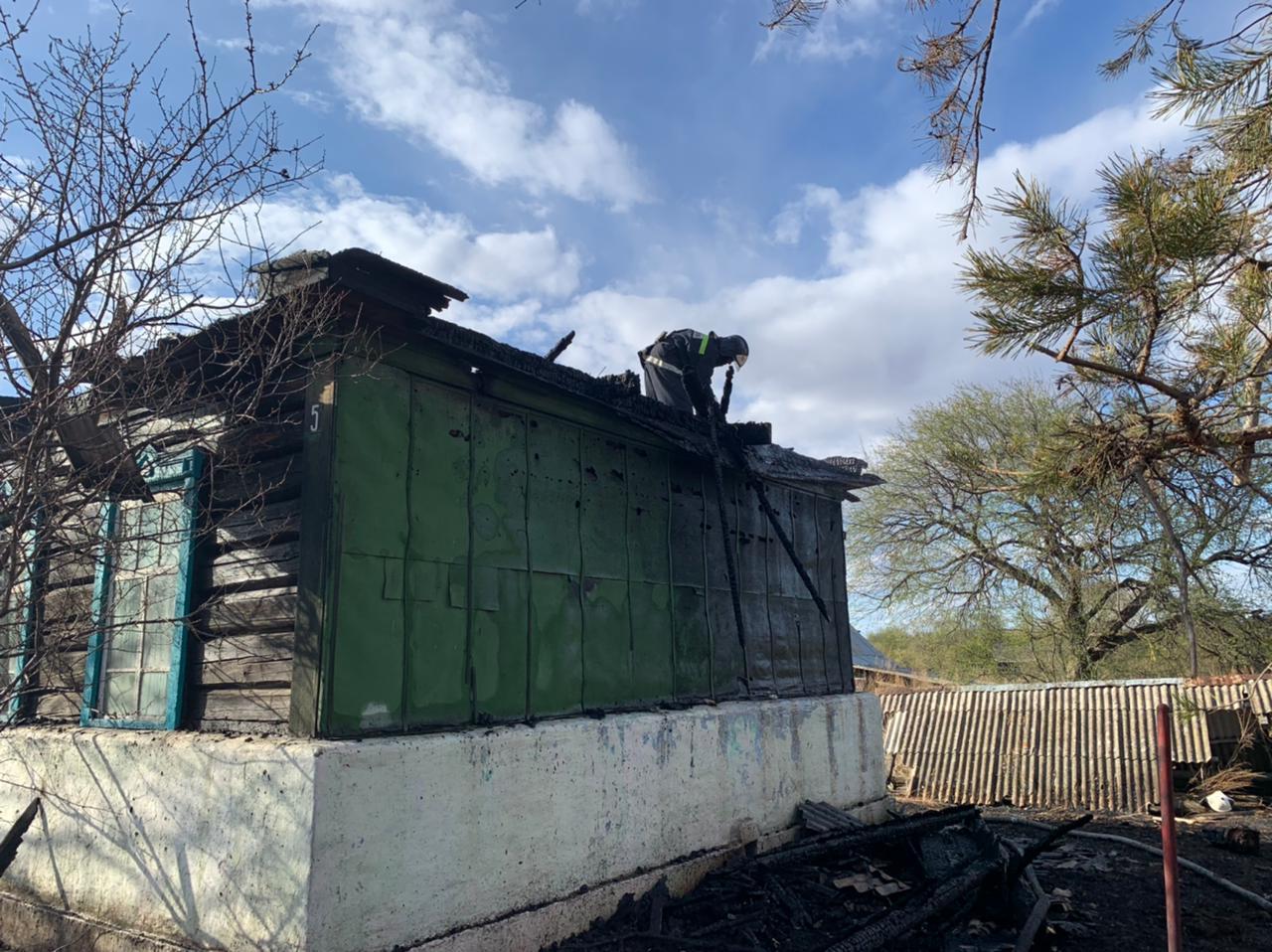 Дважды за сутки огнеборцы тушили дома в с. Пашково Облученского района