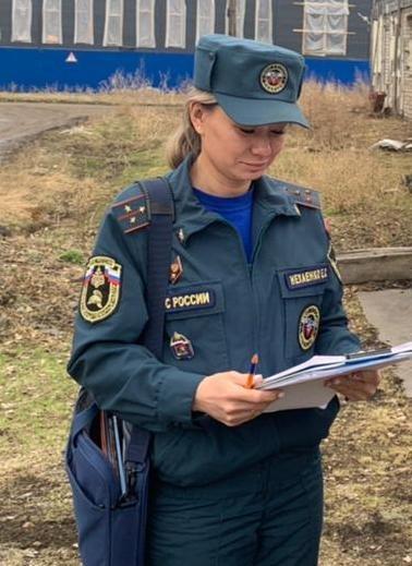 Слаженными действиями  пожарные спасли баню в Облученском районе